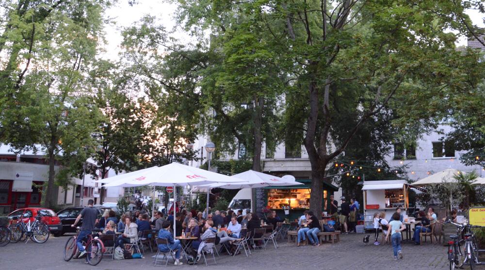 Der Schillplatz in Nippes - Biergärten in Köln