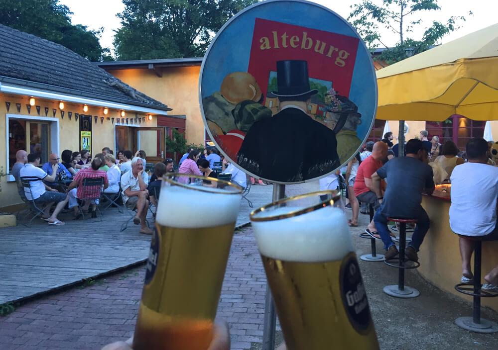 Die Alteburg - Biergärten in Köln