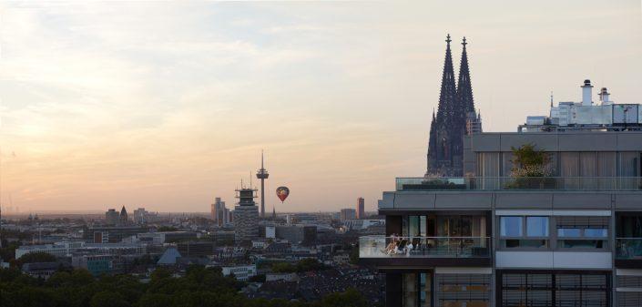 Kranhaus mit dem Kölner Dom im Hintergrund. ©KölnTourismus GmbH, Axel Schulten