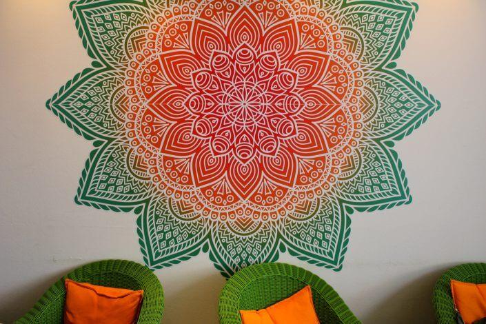 Osho's Garden, Wandmalerei