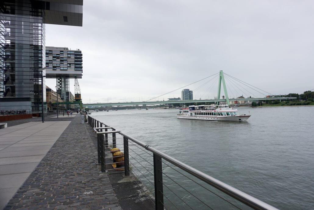 rhein und rheinauhafen