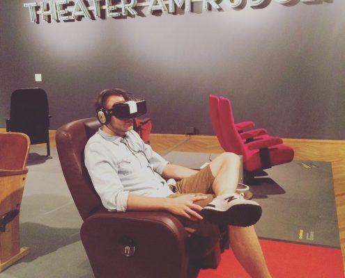Mitten hinein in andere Welten mit der VR-Brille (Foto: Yvonne Katzy, Köln)