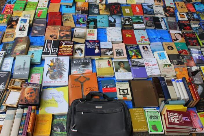 Flohmarkt: Alte Feuerwache im Agnesviertel, Bücher