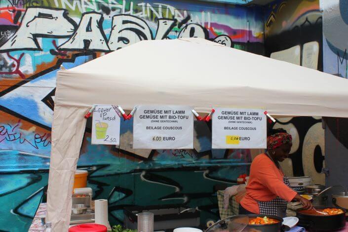 Flohmarkt: Alte Feuerwache im Agnesviertel, Essensstand