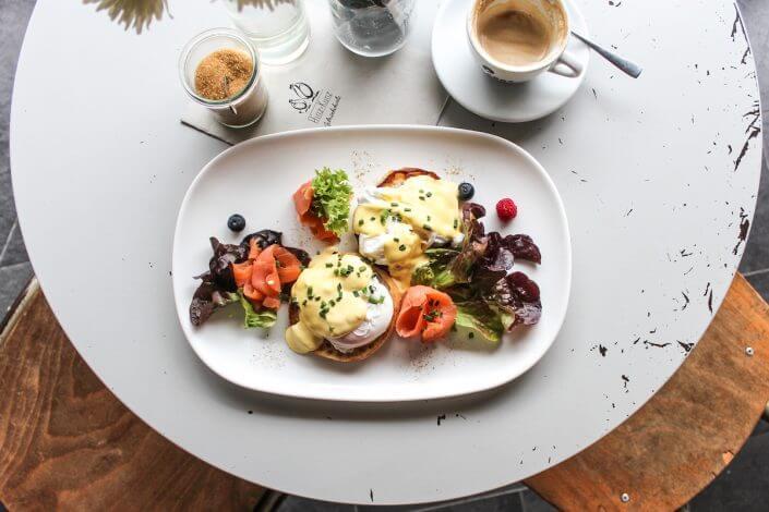 Hinz & Kunz, Eggs Benedict - Frühstück in Köln