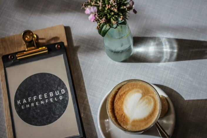 KAFFEEBUD, Kaffee und Kuchen
