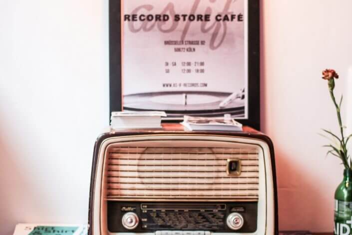 as/if Record Store Café, Interieur