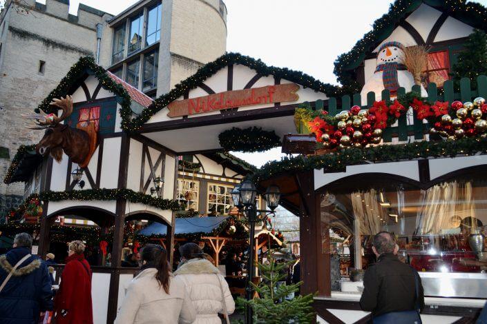 Weihnachtsmarkt in Köln, Nikolausdorf auf dem Rudolfplatz