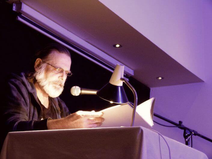 Kölner Lesereihen: Literatur um Acht; Offene Lesebühne: Georg Lota Ponitka liest, Foto: Sascha Klein