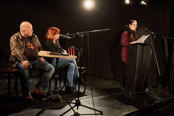 Kölner Lesereihen: Tu etwas Mond an das, was du schreibst; Alina Becker liest, Foto: Herbert Groß