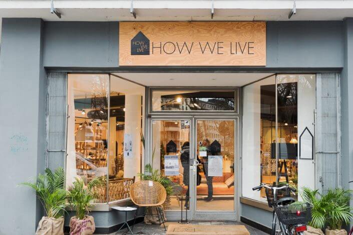 Schmuck: HOW WE LIVE, Schaufenster