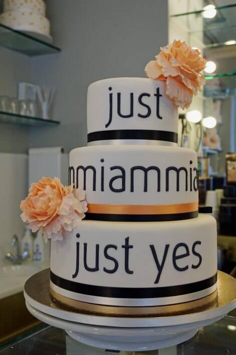 Madame Miammiam, Hochzeitstorte - Süßes in Köln