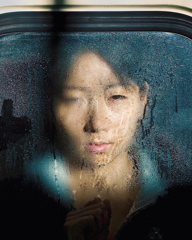 """Michael Wolf, aus der Serie """"Tokyo Compression"""" © Michael Wolf. Fotografie-Institutionen in Köln"""