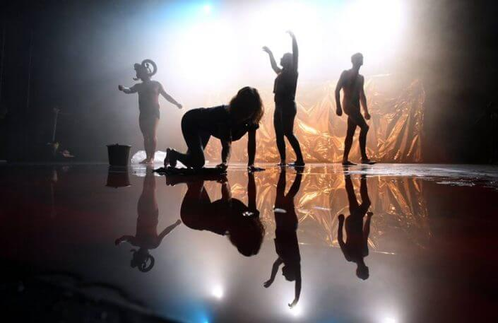 Theaterszene Europa - Unter Tieren. Ein Menschenversuch, Analog Theater, studiobühneköln, 2016, Foto: Christof Wolff - Theater