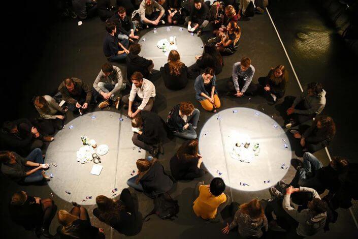 fünfzehnminuten - Die Tafel, Cheers for Fears, studiobühneköln, 2017, Foto: Ingo Solms - Theater