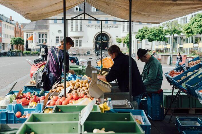 Wochenmarkt auf dem Neptunplatz - Wochenmärkte in Köln
