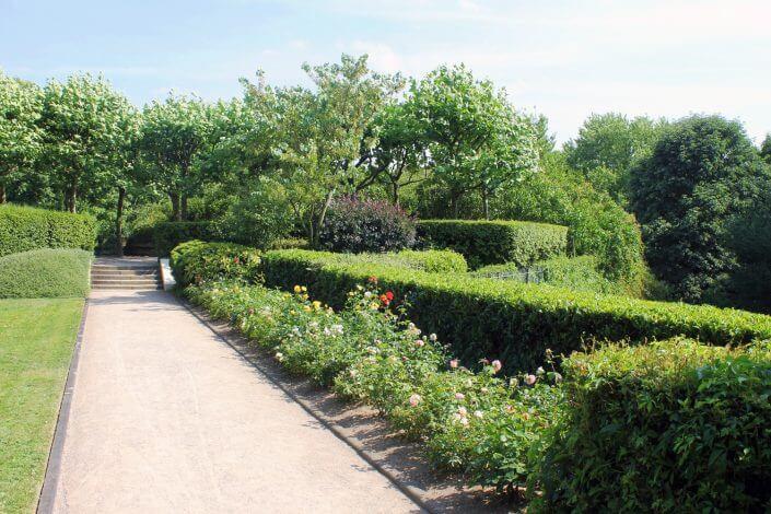 Rosengarten im Fort X - Oasen der Ruhe in Köln