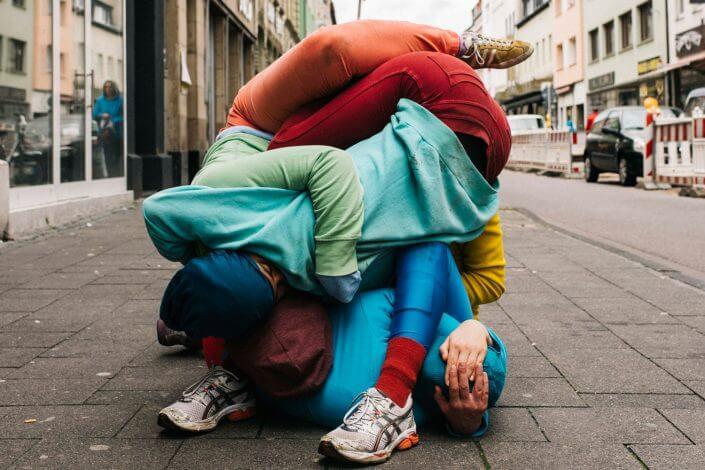 "Bodies in Urban Space"" von Cie. Willi Dorner, CityLeaks 2015, Foto: Silviu Guiman. CityLeaks Festival"