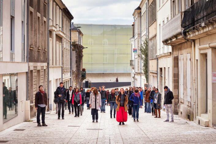 LIGNA, Walking the City, Poitiers, 2013, Foto: Arthur Pequin. CityLeaks Festival