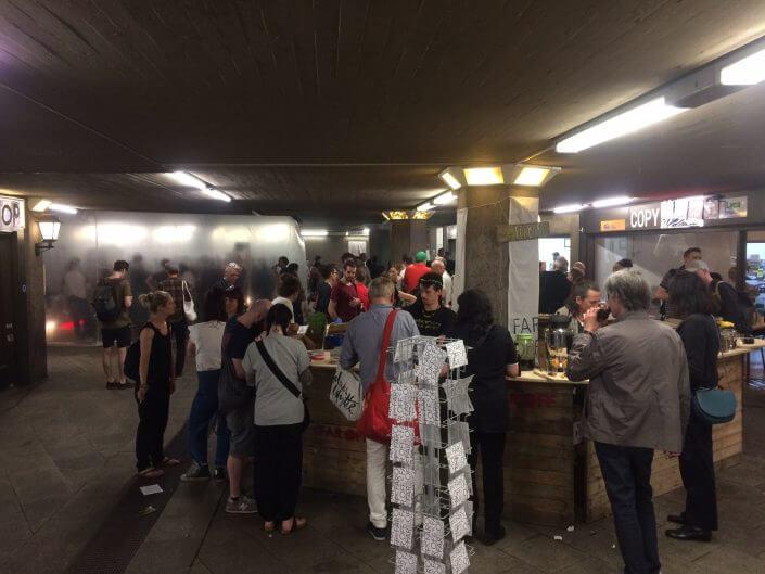 Bar und Konzert in der Ebertplatzpassage im Rahmen von FAR OFF, 2018, Foto: Brunnen e.V.