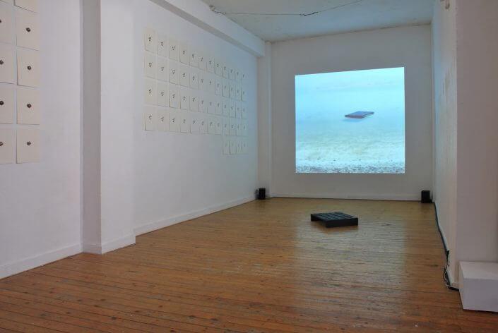 """Ansicht der Ausstellung """"Asphalt"""" von Franziska Windisch, 2010 Foto: Moltkerei Werkstatt"""