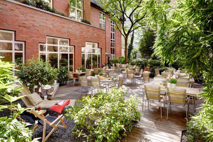 Anzeige: Veedelseck Bar & Restaurant: Eine Wohlfühloase mitten in der Kölner City, ©Lindner Hotel City Plaza