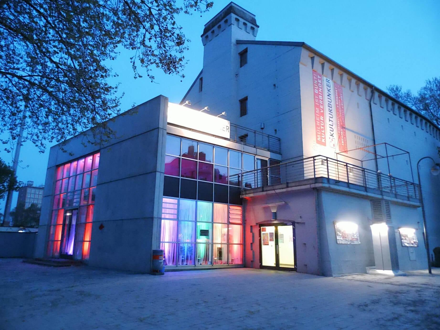 Kulturbunker Köln-Mülheim bei Nacht