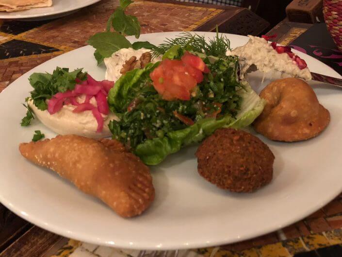 Fünf sehr gute Lokale, wo du in Köln für weniger als 20 Euro essen kannst | Al Salam