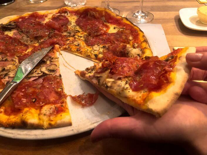 Fünf sehr gute Lokale, wo du in Köln für weniger als 20 Euro essen kannst | Toscanini
