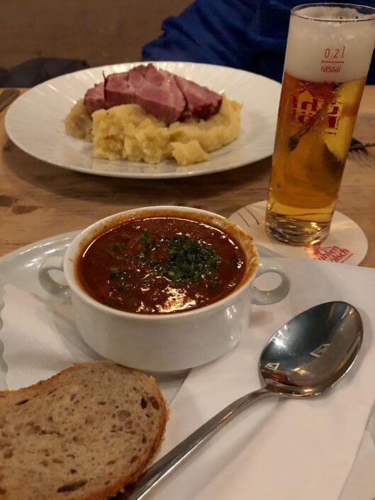 Essen im Brauhaus Pütz