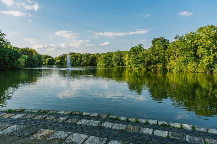 Joggen und Sightseeing - 5 schöne Laufstrecken in Köln | Stadtwald, ©Mike Dyna